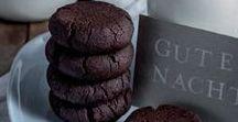 Gastlichkeit: Schokolade / Schokolade ist weitaus mehr als eine köstliche Süßigkeit. Trinkschokolade, Schokoladenkuchen oder eine Tafel von der eigenen Lieblingssorte erfreuen Gaumen, Herz und Seele gleichermaßen.
