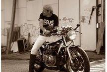 Moto / Cafe-Racer. Scrambler