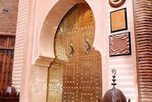 Pink French/oriental Home Decoration / French and oriental atmospheres that match so well together.