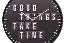 Orologi /  Orologi da parete – Il tempo con stile! Gli orologi da parete sono dei complementi d'arredo decorativi e allo stesso tempo funzionali! Un dettaglio della decorazione di casa adatto per tutti gli ambienti. Che si tratti della cucina, dell'ingresso e della tua camera da letto, troverai quello che scandirà le tue giornate