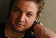 Jeremy Renner / I want to marry him.