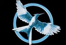 Mockingjay / The Hunger Games. Catching Fire. Mockingjay. Suzanne Collins.