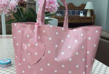 Oilcloth Shopping Bags / Keeping you up to date with my latest oilcloth shopping bags.