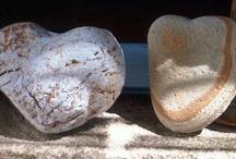 Coeur de pierre, Beach Heart Stone / Coeur, pierres ramassés au cours de l'été. Heart, stones, pebbles, collected during the summer break.
