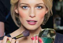 Make up! / Maquiagem