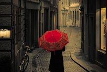 under the red umbrella~