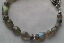 PiGemArt -Saját készítésű ékszerek/ Gemstone jewellery-necklaces-earrings-bracelets / A hobbim az ékszerkészítés drágakövekből, gyöngyökből és egyéb érdekes anyagokból. My hobby is to make jewellery from gems, pearls, and interesting materials.