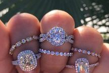 Henri Daussi Engagement Rings / Masters of the cushion cut engagement ring