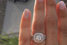 Halo Engagement Rings / The halo engagement ring is the hottest style in bridal jewelry. Whether you prefer a traditional halo, something contemporary, or a halo engagement ring with more carats than you'd ever imagine, we've got you covered.