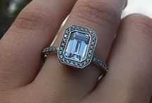 Emerald Cut Engagement Rings / Bold, elegant, and undeniably luxurious. Our favorite emerald cut engagement ring styles.
