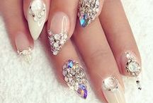 Killer Claws / Because you can never get too much nail art into your day.