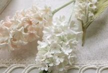White&Ivory / 優しい色合いをクレイで表現する  ~デザインを形にする~ WeddingFactory  クレイを中心としたウェディングアイテム製作  WeddingFactory http://www.weddingpartyfactory.com/  オンラインショップ  Clay Art Wedding  http://clayartwedding.net/