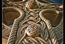 Celtic Knots & Crosses  - Inspiration / Ireland Inspiring Celtic , Irish Pattern & Design  Celtic knots Celtic Crosses Craft Inspiration