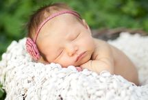 Newborn Photography Session/Photo Shoot Ideas / Brainstorming ideas for some of our upcoming newborn photography shoots.