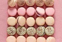 Macarons / Stunning and colorful macarons.