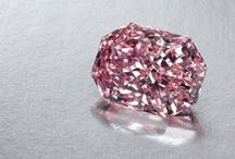 Loose Diamonds / Magnificent Loose Diamonds in all shapes and colors.