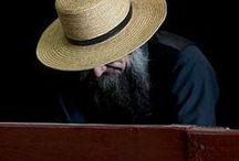 Amish Shaker Primitive Style