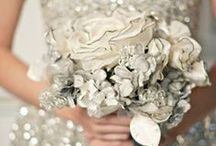 Glittering Gold & Sparkly Silver Wedding Ideas / Inspiring wedding ceremony and reception decor in silver and gold. PomAdore's board features pretty precious metals finds & DIY crafts for an elegant event.