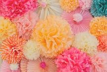 Pom Poms on Pinterest / Ways to decorate with tissue paper pom poms including balloons, laterns, balloons and paper flowers. Perfect for parties, showers and weddings.