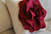 Pillows and Poufs / I LOVE PILLOWS ....