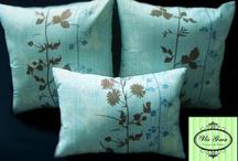 {Throw Pillow} Cushion