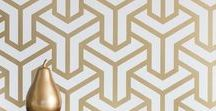 Metal Meditation / The magical use of geometric pattern has returned and is a key influence in Macaroon's 2018 range. Forming elegant backdrops to contrasting floral blooms and lavish leaves. Gold brings the metal matrix to life and keeps it on trend.