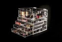 "Glamourcube Original / Get the original Glamourcube luxury clear makeup storage organiser with five tiers that consists of four drawers and lift top lid section.  Great size for standard dressing tables. Dimensions are as follow: height 12"" x Width 12"" x Depth 12""."