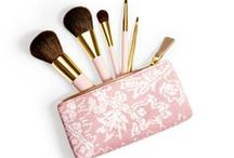 Beauty Accessories / Everything beauty - except the makeup! Brushes, lashes & tools!