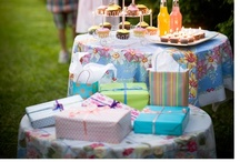 ☺Entertaning •  GIFT TABLE