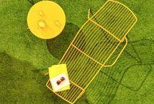 By Pedrali / La marque italienne Pedrali propose une large gamme de mobilier & accessoires d'extérieur parfaits pour apporter une touche moderne et design à votre jardin!