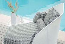 By Ego Paris / La marque française Ego Paris propose des collections de mobilier de jardin design uniques. Fonctionnels et personnalisables, les produits vous invitent à passer des moments de partage, de détente et de convivialité en extérieur.