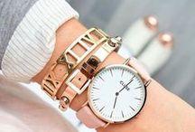 Statement Bracelets - Statement Jewelry / Timeless statement bracelets with a charming vintage touch