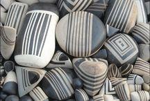 Kivet ja simpukat - Painted Stones and Sheashells