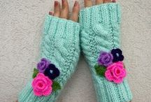 Knitting and Crochet Mittens Fingerless Gloves / knitting fingerless mittens gloves, knitting gloves patterns, knit fingerless patterns, knitted mittens patterns