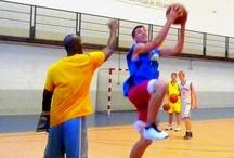 Basketball sommercamp 2013 Spanien / Internationales Basketballcamp auf Spanisch und Englisch, mit qualifizierte Coaches aus Spanien und den USA. Wir bieten ein internationales Basketballcamp für Jugendliche zwischen 14 und 17 Jahren, die schon Erfahrung im Basketball spielen haben, an.
