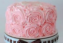 Cupcakes & Cakes / by Yoji Henry