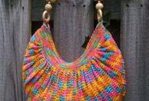 Carteras tejidas al crochet / by Haydee Rampini