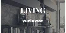 Living / Una vasta gamma di soluzioni d'arredo in cui la cucina si integra con il soggiorno, per un arredamento coordinato che esprime l'unità dell'abitare in un unico spazio, con una vasta gamma di soluzioni cromatiche e compositive, personalizzate con il tuo stile di vita.