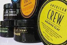 AMERICAN CREW / American Crew è molto più di un lifestyle brand o di un salone. Una pietra miliare nella storia della cura degli uomini. Il marchio leader dei saloni per  uomini, specificamente per incontrare le esigenze dei parrucchieri.
