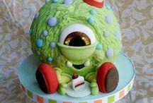 Cakes & Cupcakes / by Rain