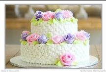 Weddings with Belle's / Your wedding day is one of the most special days of your life. Our specialty cakes allow you to have the wedding of your dreams. We can customise any cake to fit the shape, colour and theme of your special day.