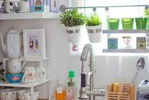 organizing my home / Attractive bins, baskets, trays, hooks, etc, and ways to arrange them.