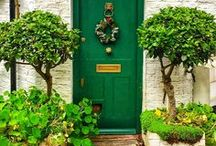 Emerald Green / http://www.judithdcollins.com/