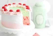 mini and small cakes