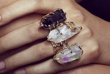 Gemstone Jewelry / Jewellery, jewelry sets, rings, bracelets, necklaces and accessories with gemstones, minerals, crystals, natural stones.