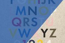 . M O N O G R A M M E . / Et parce que chacun est libre d'inventer le sien, L/Uniform permet de personnaliser son sac. Comment ?  En imprimant la toile d'un détail ultime : un chiffre ou un monogramme. À vous de composer le vôtre. Choisissez un à trois caractères (lettres et/ou chiffres), puis sélectionnez leur couleur : marine, noir, bleu ciel, kaki, rouge, rose, jaune, blanc ou gris. Ils seront imprimés sur votre article en sérigraphie, par transfert dans nos ateliers de Carcassonne.