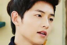 Song Joong Ki / pretty face if ever I saw one - also a good actor, who can portray emotions really well