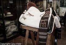 Silla de Competición / Silla de Montar realizada a mano, con posibilidad de personalizar con el logo/hierro del propietario.