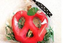 Elementary Teacher Gifts / Ideas, crafts and DIY ideas for teachers