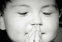 {children are beautiful} / Ils me touchent, me bouleversent, me font sourire et rire... Leur innocence et leur pureté me portent et me ravissent. anne-sophie pour {mises en scène}
